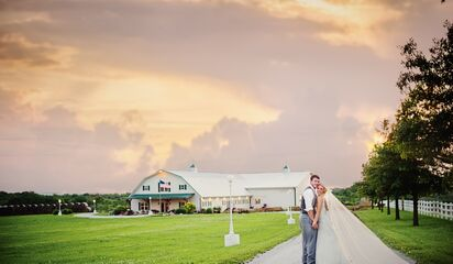 Berry Acres | Reception Venues - Odessa, MO