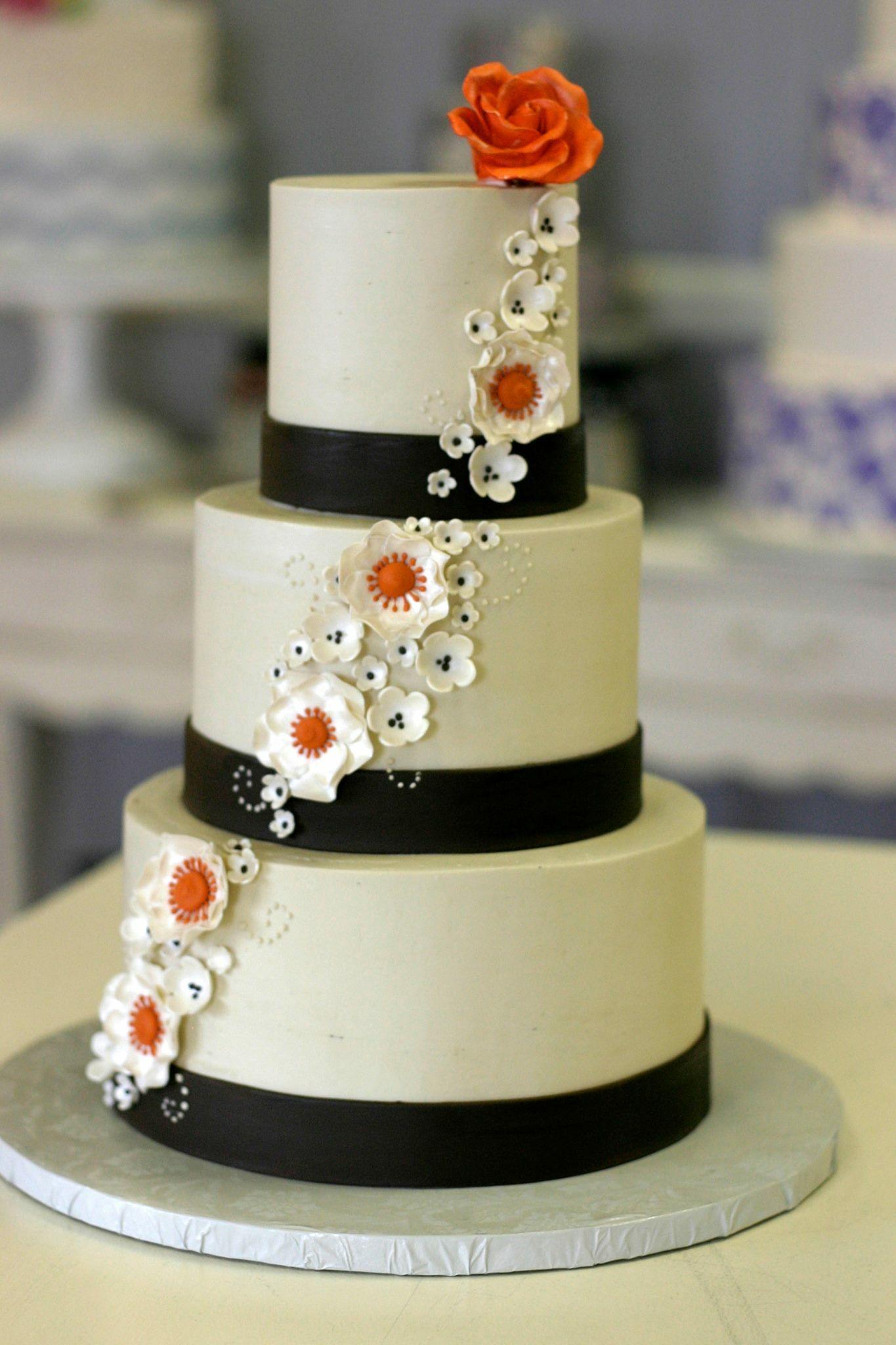 Sarah S Cake Shop Wedding Cakes Chesterfield Mo