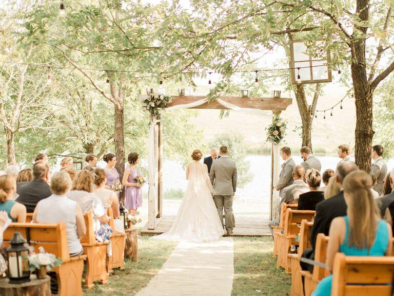 Iowa outdoor wedding