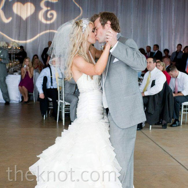 The couple chose Faithfully by Journey as their first dance song.