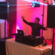 Vancouver, WA Mobile DJ | Feelin' the Music