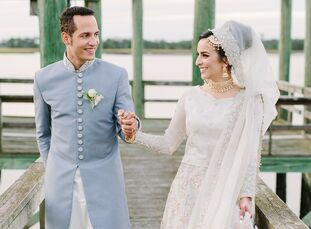 For their destination wedding on Johns Island, Ayesha Siddiqi and Brian Guzman incorporated plenty of Pakistani-Muslim traditions—starting with their