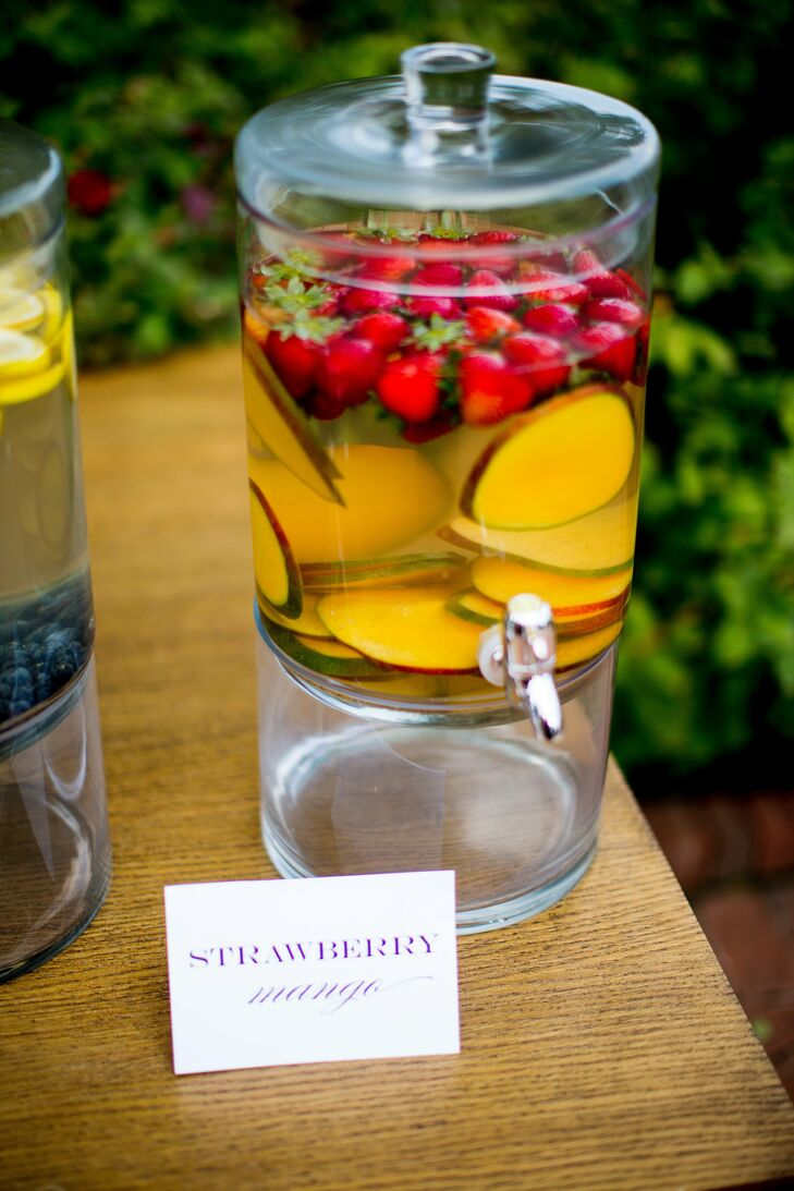 The couple served their guests strawberry mango infused water during the outdoor cocktail hour.