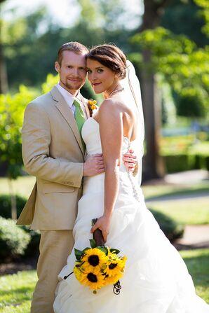 Bride and Groom at Founders Inn Wedding in Virginia Beach