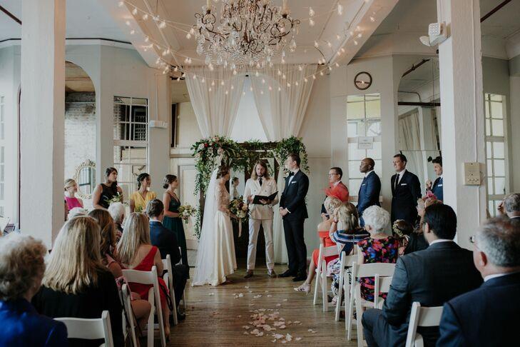 Romantic Ceremony at the Metropolitan Building in Long Island City, New York