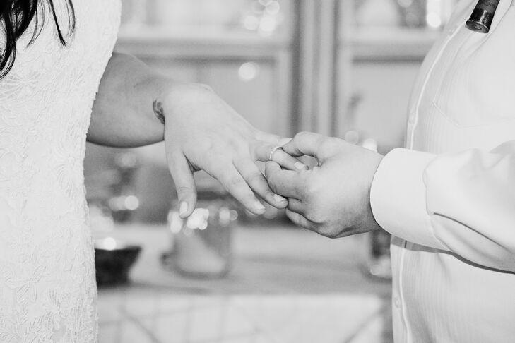The pair exchanged vows in at The Bernards Inn in Bernardsville, New Jersey.