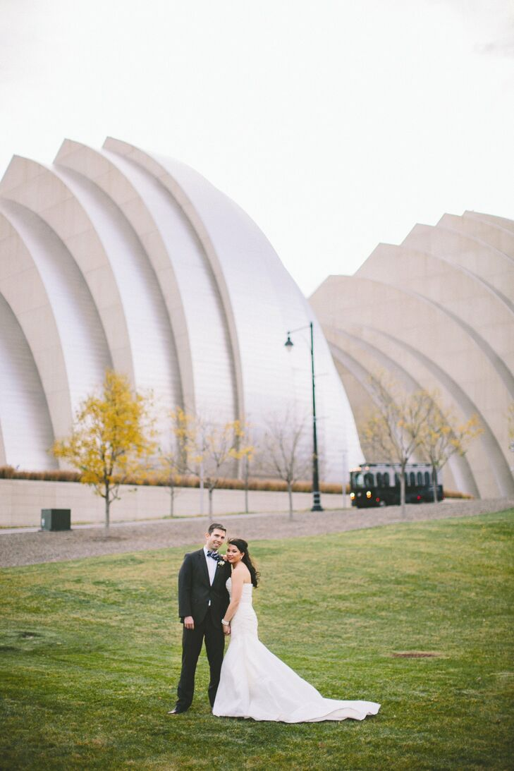 Emily's La Sposa gown gave her a stylish, timeless look.