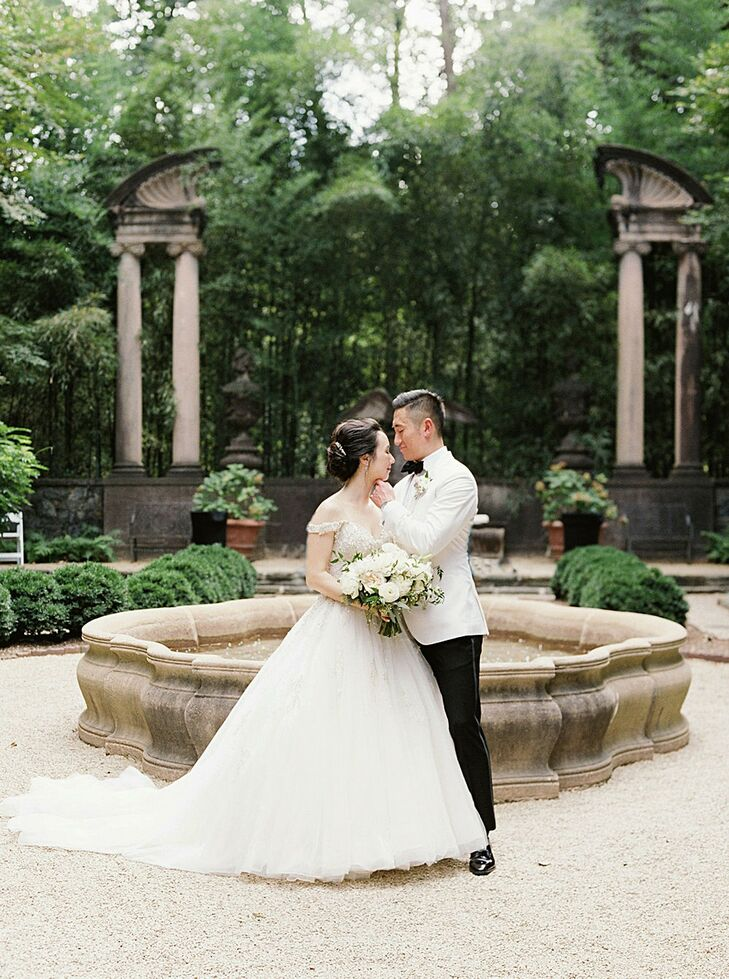 Christina and Shaun's wedding pictures make it hard to believe that they exchanged vows in downtown Atlanta and not at a storied European villa. Tucke