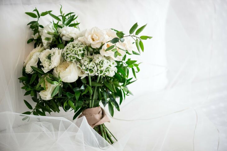 Ivory and Blush Garden Rose and Lisianthus Bouquet