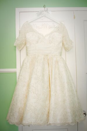 Dolly Couture Ivory Lace Wedding Dress