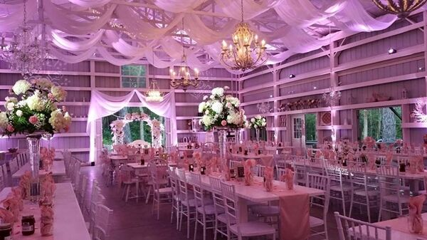 Reviews Of Saxon Manor Weddings Shabby Chic Wedding Barn