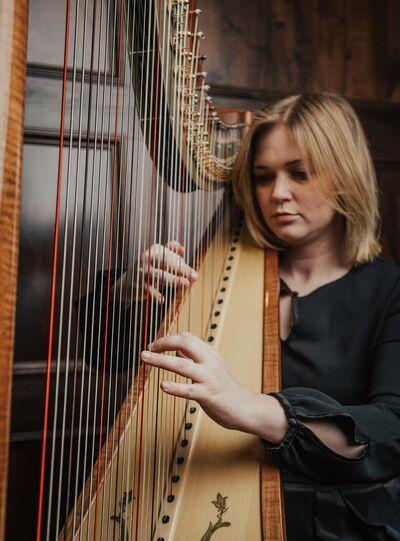 Lacy Reynolds Harpist