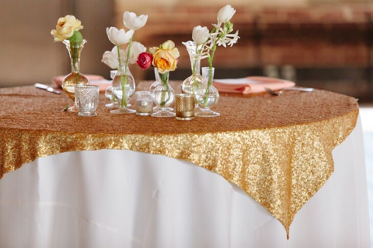 Gold Sequined Tabel Linen