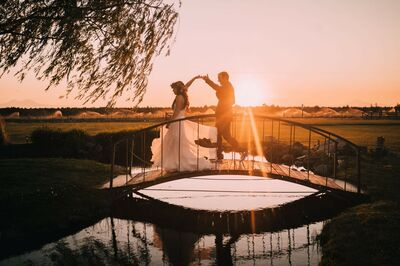 Dee Bar Weddings & Elopements