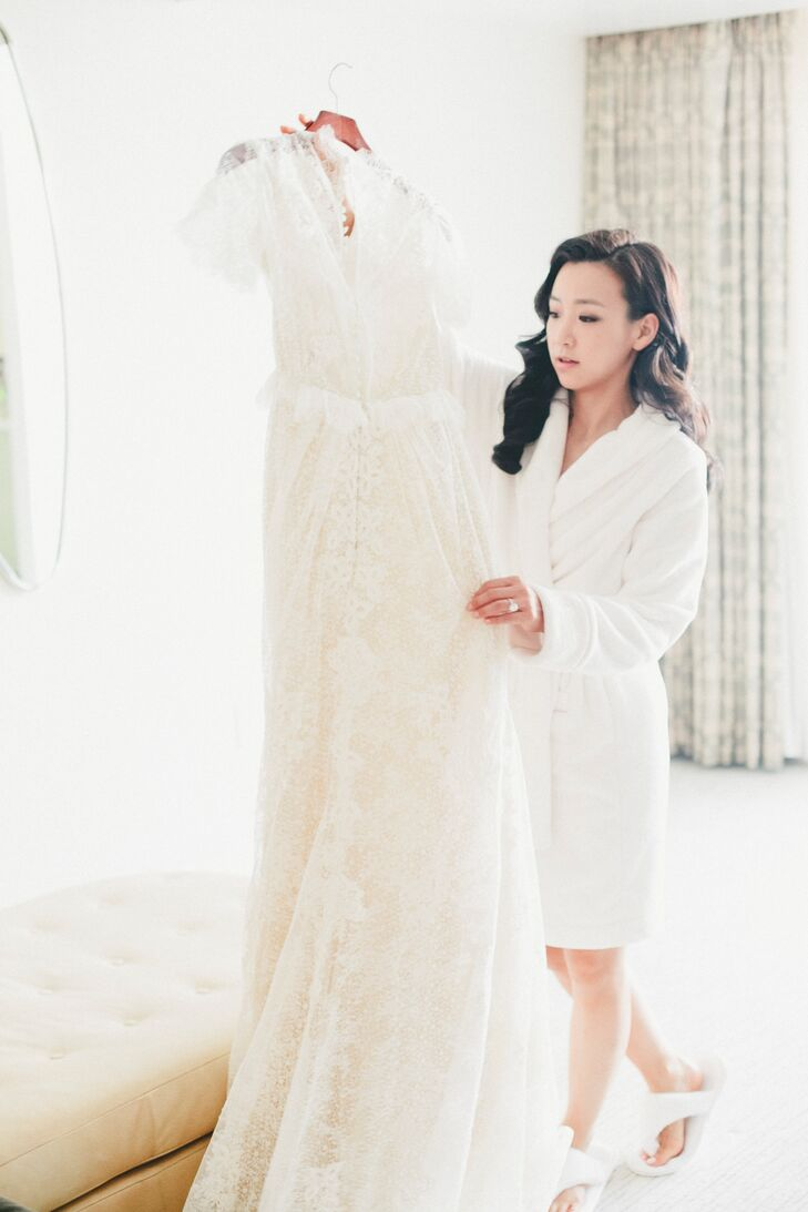 Vintage Style Lace Wedding Gown
