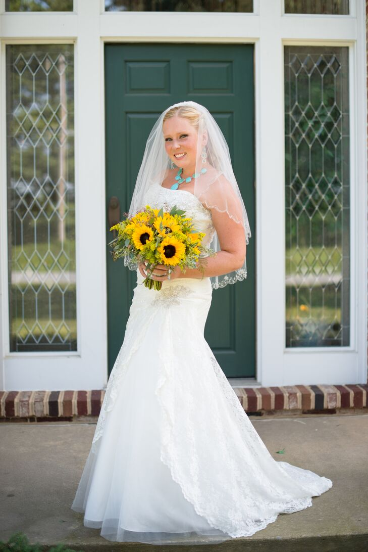 Bride In A Trumpet Style Wedding Dress And A Turquoise Jewelry