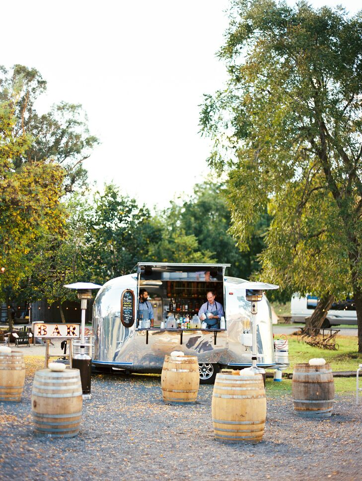 After the ceremony, guests enjoyed live music and cocktails from Bar Car SF's revamped 1965 Airstream trailer.