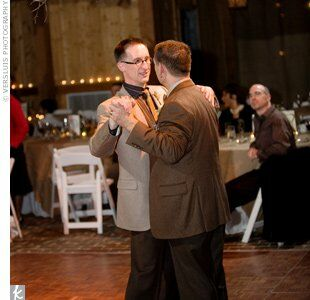 """Ed and Patrick wanted some regional swing/jazz flavor in their entertainment. Kansas City musicians AnnaLee and the Lucky So-and-So's performed """"Somewhere over the Rainbow"""" for the couple's first dance."""
