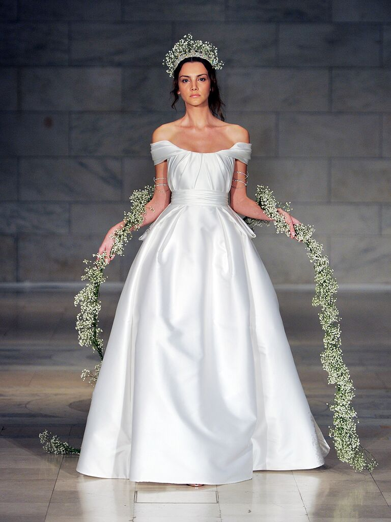 Reem Acra Fall 2018 angel wing draped ball gown wedding dress e4e306cea
