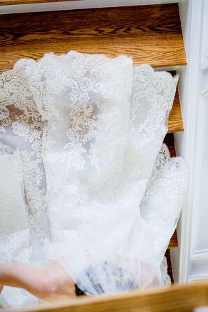 White Lace Trim Bridal Veil