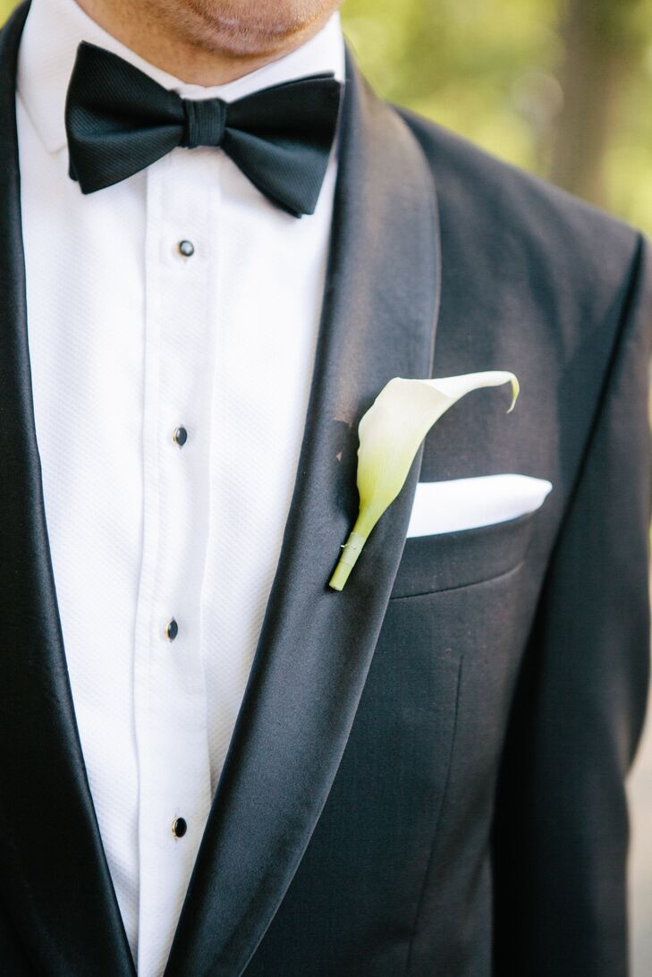 1d26fc0bf5c0 Ben wore a classic black tuxedo with a bow tie, a white pocket square and
