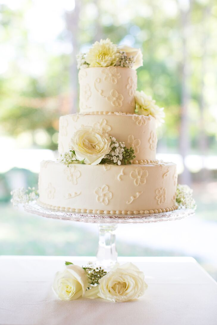 Romantic Ivory Buttercream Cake