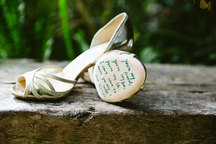 Richie wrote a sentimental message to Mallory on the bottom of her sandals.