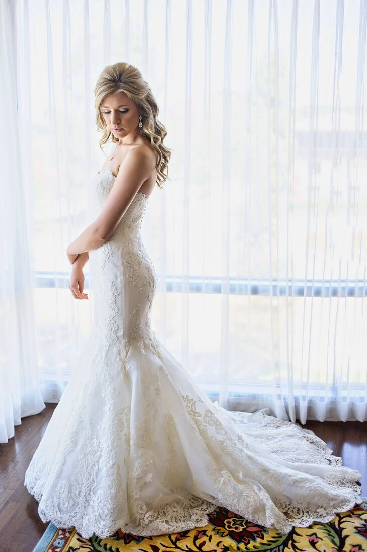 """Christina wore a pair of crystal teardrop earrings with her ivory strapless wedding dress, adding a touch of sparkle to the outfit. """"I wanted to look natural and not overdone,"""" Christina says. """"I wanted to look soft, elegant and effortless."""""""