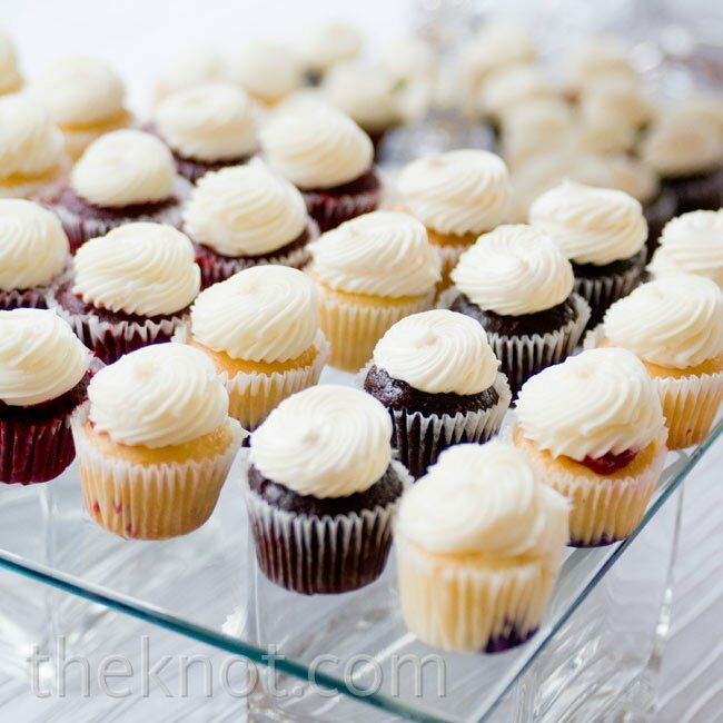 One of Krista's DIY projects was a clear stand on which she displayed various flavors of cupcakes.