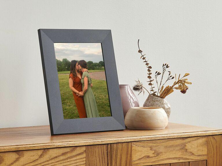 digital photo frame engagement gift