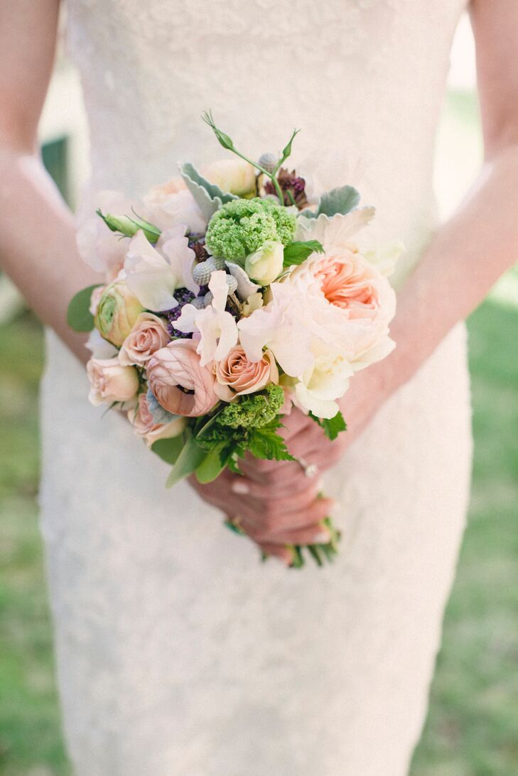 """""""I really loved how all the flowers turned out but especially the bouquets,"""" says Juli. """"I asked my florist for pastels and muted tones—she didn't disappoint!"""""""