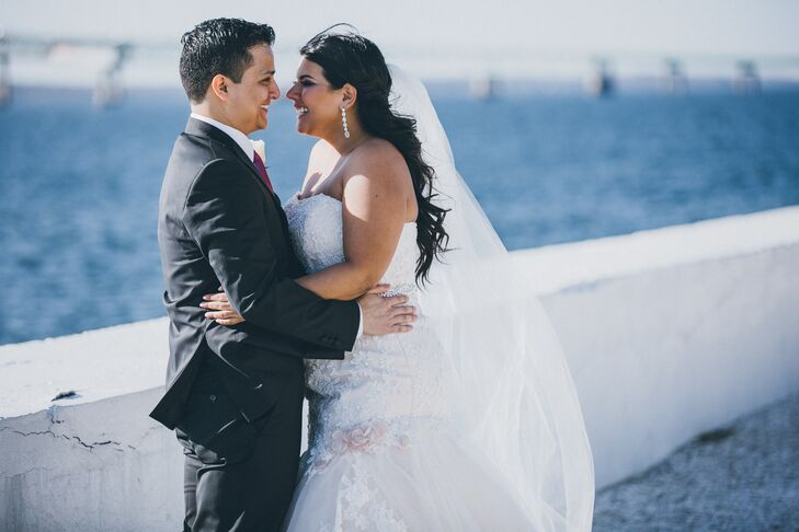 Jessica and Julio chose Belle Mer in Newport, Rhode Island, for its beautiful ocean views.
