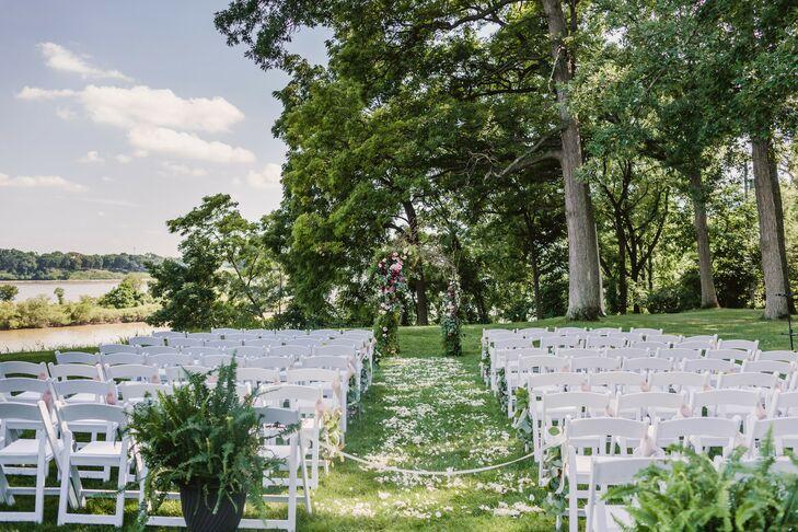 Outdoor Wedding at Toledo Country Club in Toledo, Ohio