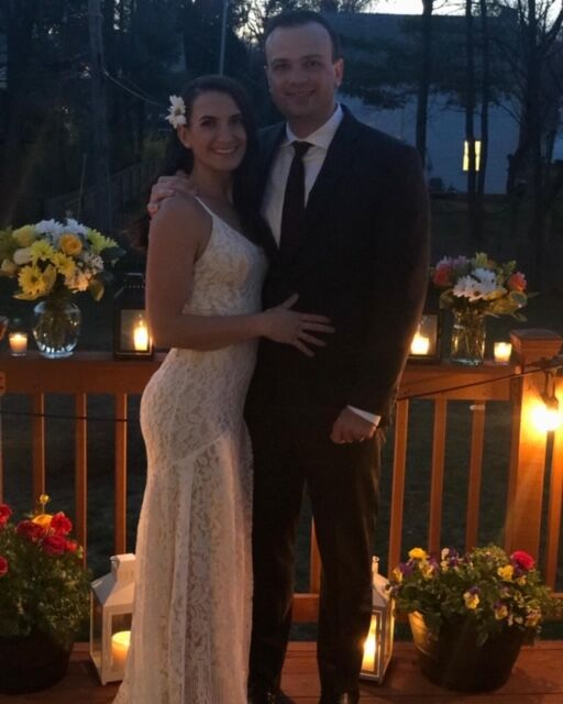 couple marries covid 19