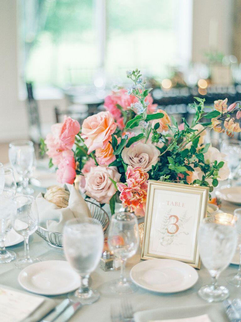 spring wedding centerpieces pink pastel flowers