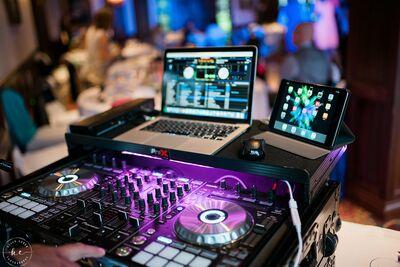 Creative Designs & DJ Entertainment