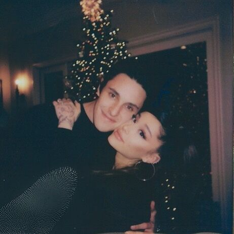 christmas tree with ariana grande and dalton gomez who are engaged and wedding planning