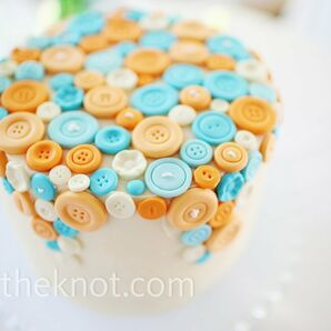 Button-covered Petite Cake