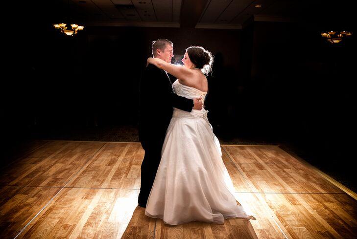 Darren and Maggie First Dance