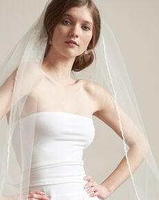 Dareth Colburn Simple Lace Edge Veil (VB-5091) Ivory Veil