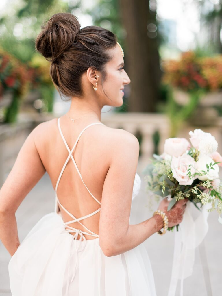 beach wedding hairstyles topknot