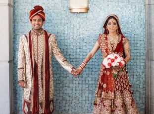 Bollywood and vibrant blooms ultimately inspired Pooja Satish (25 and a dentist) and Nitin Gandhi (25 and a neurology resident) to plan a timeless yet