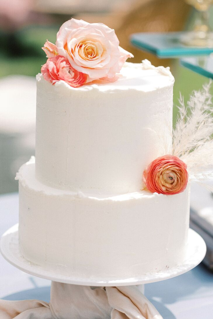 Simple Wedding Cake with Ranunculus Blooms at Virginia Microwedding