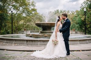 Intimate Kiss with Water Fountain