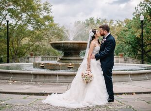 Eric Smith (30 a wedding DJ) and June Naowarat (33, a nail technician) met through eHarmony after June's best friend set up their first date. They end