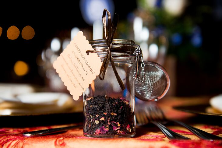 """The couple gave their guests bottles of tea from Dragonfly Tea Company. """"Our tea was 'Company's Coming,' a black floral tea with added rose petals for the occasion,"""" says Kathleen."""