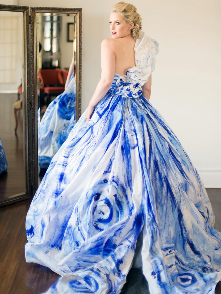 Rminé custom bridal gown
