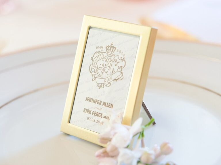 Mini picture frame gift idea for wedding guests