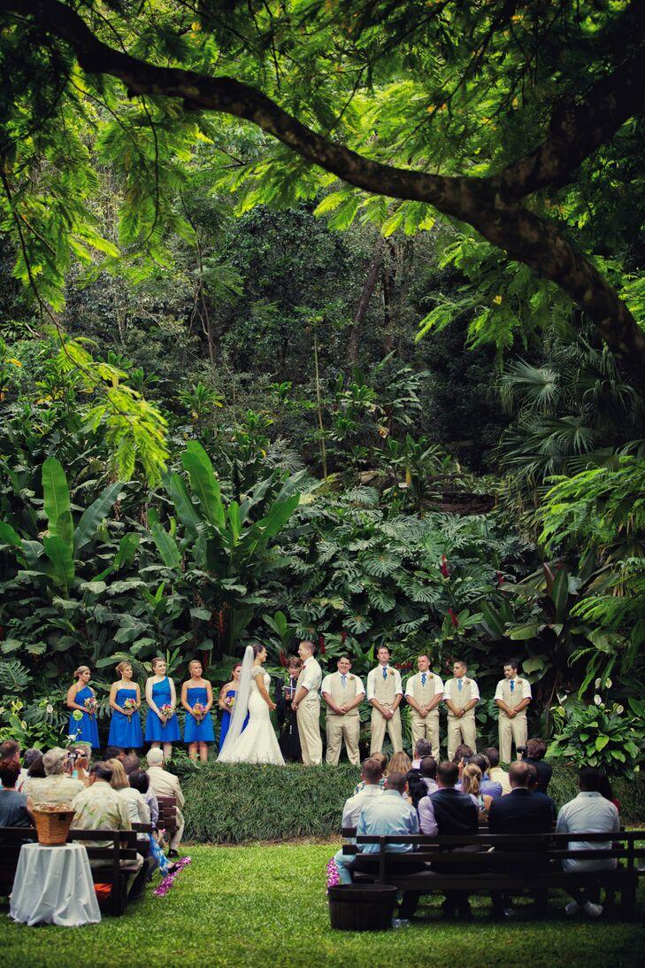 The Tropical Wedding Ceremony at Waimea Valley