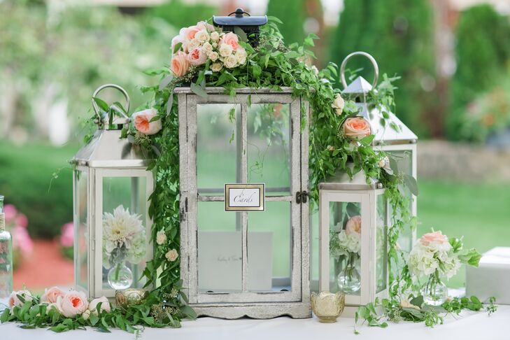 Rustic Wood Card Holder with Lanterns